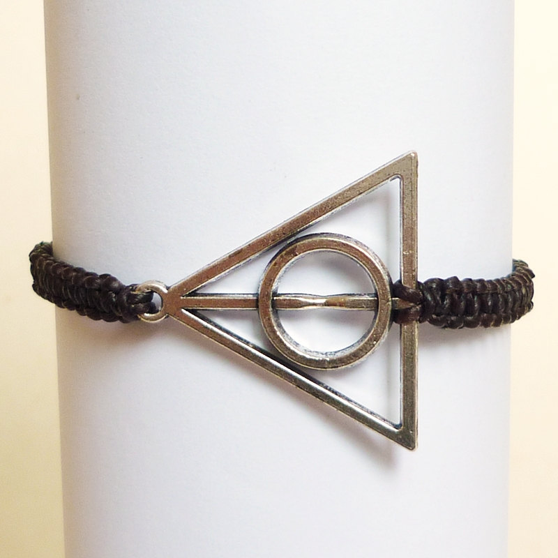 15 Harry Potter Gift Ideas For True Potterheads: Harry Potter Deathly Hallows Bracelet